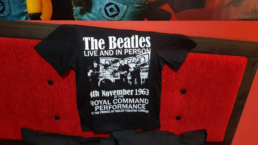 THE BEATLES LIVE AND IN PERSON 1963 női póló