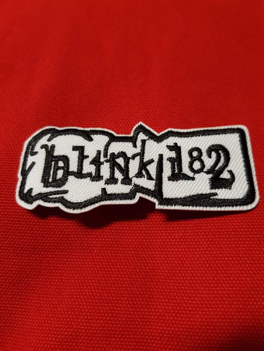 BLINK-182 FELVARRÓ