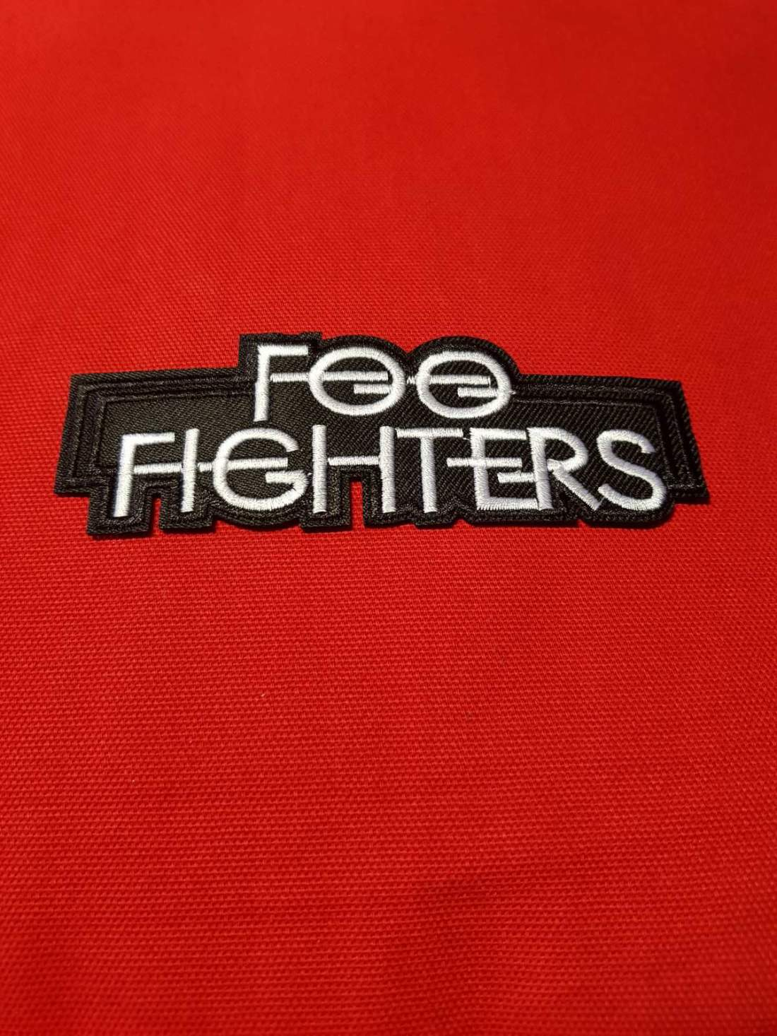 FOO FIGHTERS FELVARRÓ