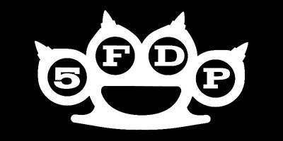 FIVE FINGER DEATH PUNCH (5FDP) STRANDTÖRÖLKÖZŐ