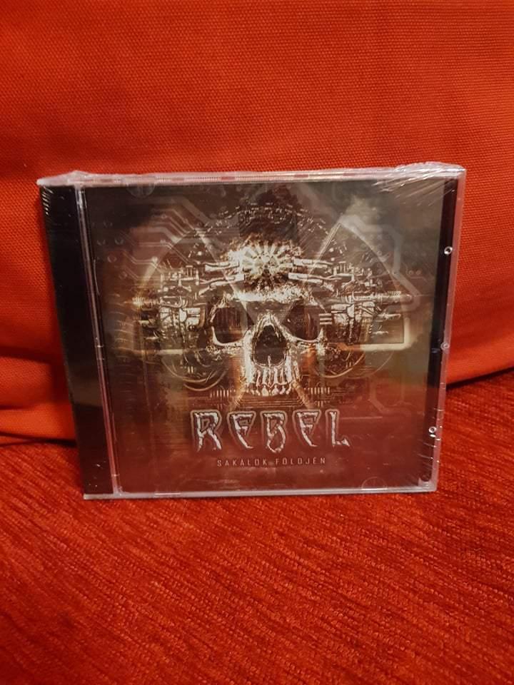 REBEL - SAKÁLOK FÖLDJÉN CD