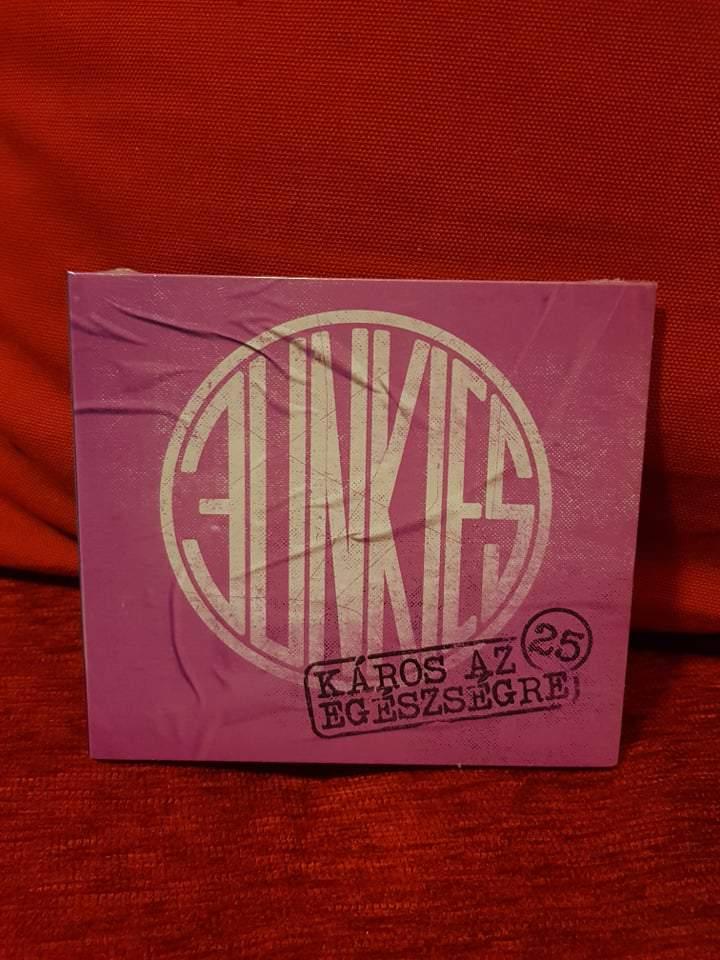 JUNKIES - KÁROS AZ EGÉSZSÉGRE 25 CD