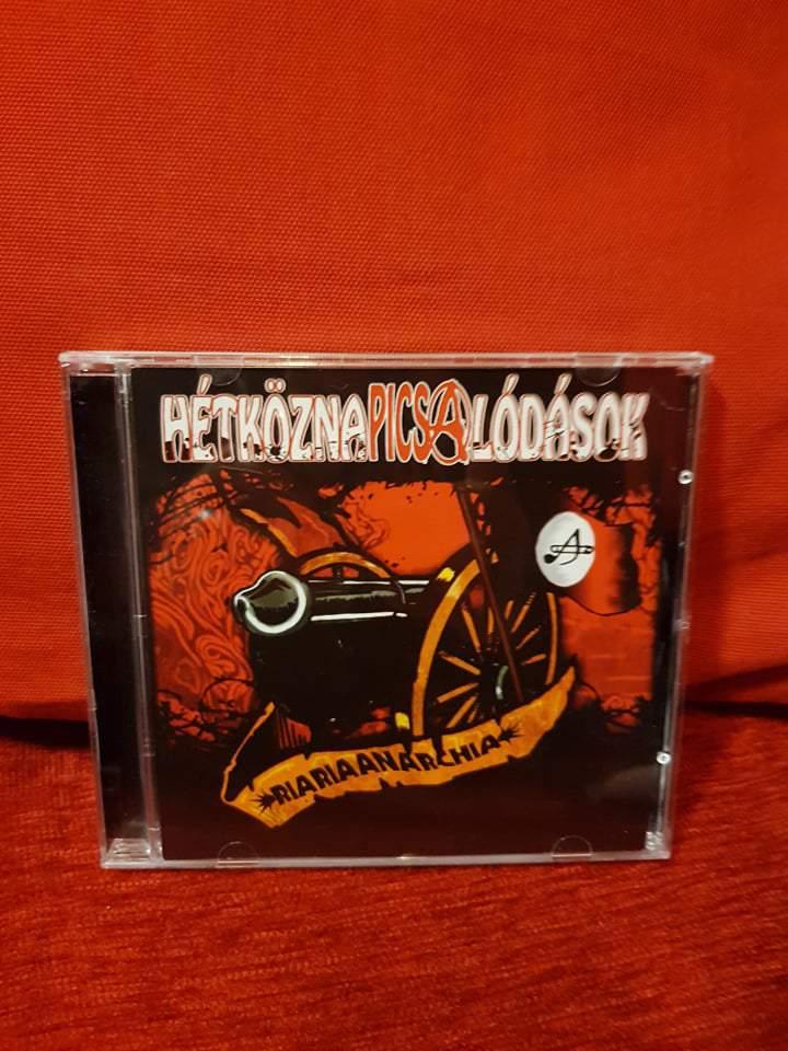 HÉTKÖZNAPI CSALÓDÁSOK - RIARIAANARCHIA / INKÁBB 20 CD